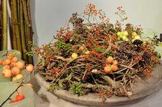 Mabon, Samhain, Nature Decor, Nature Crafts, Yule, Fall Flower Arrangements, Deco Floral, Autumn Wreaths, Centerpieces