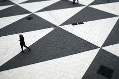 pavimentazione a losanga - rombi giganti - bianco e nero  - black and white