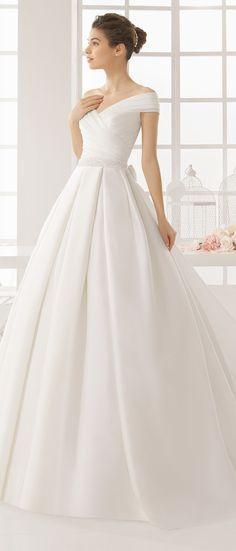 Aire Barcelona 2016 Wedding Dress #vestidodenovia   #trajesdenovio   vestidos de…
