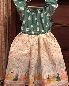 @craftycontessa - An ode to 12 Dancing Princesses ❤️ fabric: #hawthornethreads, pattern: #matilda #violettefieldthreads #thecraftycontessa