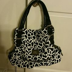 Black and white inspired versace purse Black and white purse no damage  still in good condition Bags Shoulder Bags