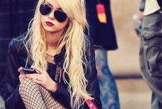 Taylor Momsen Sunglasses Fashion Mobile