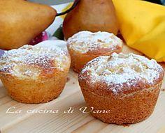 muffin ricotta e pere Pear Dessert, My Dessert, Dessert For Dinner, Muffin Recipes, Cake Recipes, Dessert Recipes, Mini Desserts, Delicious Desserts, Biscotti