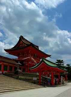 Fushimi Inari Shrine, Japan by Wistou, via Flickr