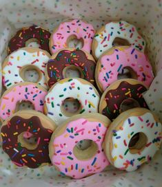 Donut Sugar Cookies from Poppy Cakes Galletas Cookies, Iced Cookies, Cute Cookies, Royal Icing Cookies, Cupcake Cookies, Sugar Cookies, Donut Cupcakes, Crazy Cookies, Donut Birthday Parties