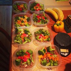 "Instagram: @Judith Traynham Carlyle IV   excuse: ""but eating healthy is soooooo expensive warren!!!!"" —- guess how much each one of these meals costs individually? THREE DOLLARS! $3! — so c'mon Everyone is doing it guys! Start meal prepping and see results faster! Follow these folks if you need additional #mealprep #inspiration #instagramfitness @instagramfitness  #fitness 120g ground turkey 1/2 cup broccoli, 1/2 cup chopped red,yellow,golden,green bell peppers and onions."