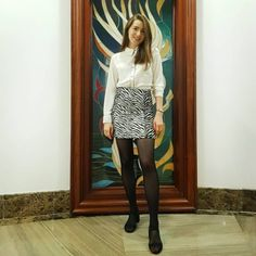 Macrou cu piure de mazare si sos de lamaie | Foodieopedia Leather Skirt, Skirts, Fashion, Leather Skirts, Moda, La Mode, Skirt, Fasion, Fashion Models