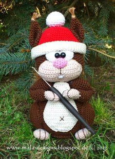 Süße Häkelanleitung für ein Eichhörnchen mit Weihnachtsmütze / amigurumi pattern for christmas: diy squirrel made by mala designs via DaWanda.com