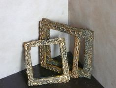 Joanne's Minis: Dollhouse Miniature Antique Frame – framepicture Miniature Furniture, Doll Furniture, Dollhouse Furniture, Furniture Ideas, Antique Furniture, Classic Furniture, Dollhouse Miniature Tutorials, Miniature Dolls, Miniature Crafts