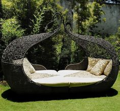 15 Poolside Outdoor Day Beds for Your Deck- Pictured above is the Corsica Twin Daybed.
