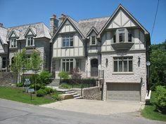 Indiana Buff Limestone coursing house in uptown Toronto | Flickr - Photo Sharing!