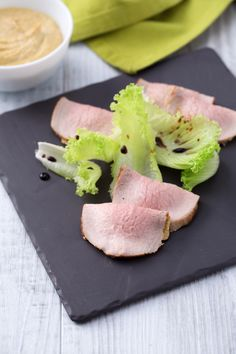 Vitello tonnato alla maniera antica: lo chef Davide Scabin  ci mostra come si prepara.  [Veal with a tuna sauce]