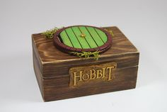 Hobbit inspired ring box from Etsy shop QuanticLaser