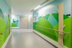 Londres: 15 artistes et designers décorent un hôpital pour enfants