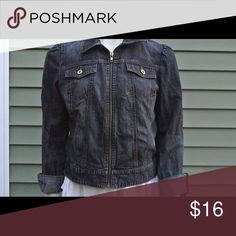 Gap sweetheart medium wash jean jacket! Gap sweetheart medium wash jean jacket! GAP Jackets & Coats Jean Jackets
