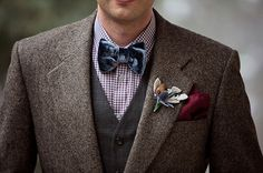 The earth tone colors are awesome, but I hate that bow tie. Replace with a skinny tie that color..?