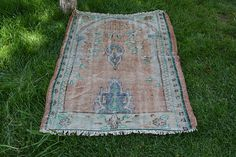 3' x 4' faded rug small rug small vintage rug pale mini carpet rug free shipping decorative vintage rug vintage anatloian rug Code 707
