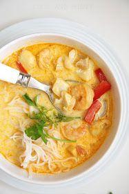 COOL & MINTY: TAJSKA ZUPA Z KREWETKAMI I BIAŁĄ RYBĄ Soup Recipes, Diet Recipes, Asian Recipes, Ethnic Recipes, Calzone, Thai Red Curry, Good Food, Sweets, Fish