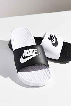 Nike Benassi JDI Mismatch Slide | vegan shoes | vegan sandals