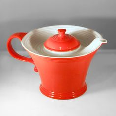 Hall China MELODY Teapot, Red & White