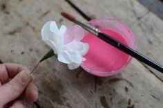 Pysseltips: Vackra blommor gjorda av kaffefilter