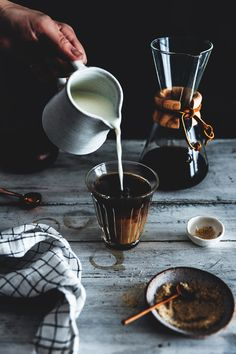 Top Tips For Brewing The Best Coffee - Great Coffee Coffee Tasting, Coffee Cafe, Coffee Drinks, Iced Coffee, Coffee Enema, Coffee Tin, Coffee Creamer, Coffee Humor, Hot Coffee