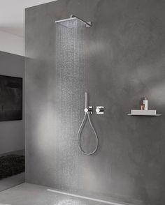 Keuco IXMO Duschsystem: Lassen Sie sich faszinieren von der opulenten Ausstattung des Ixmo Duschsystems. Die Silikondüsen an den Brausen lassen sich im Handumdrehen durch leichtes Wischen von Kalkrückständen befreien. Sollte der Wasserdruck mal schwanken, ist dies für das integrierte Thermostat kein Problem: Die Wassertemperatur bleibt stets konstant. Auch Verbrühungen durch zu heißes Wasser gehören dank der Sicherheitssperre bei 38 °C der Vergangenheit an. #dusche #regendusche #reuterde