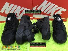 Nike Air Huarache - 9A - COUPLE SHOES Nike Air Huarache, Huaraches, Air Jordans, Sneakers Nike, Footwear, Couples, Stuff To Buy, Shopping, Shoes
