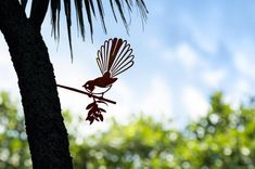 Add a bird silhouettes from Metalbird to your own landscape or give on as a gift. View the collection and get one today. Metal Garden Art, Metal Art, Weathering Steel, Wood Pigeon, Flax Flowers, Forest Habitat, Misty Eyes, Ruby Throated Hummingbird, Metal Birds
