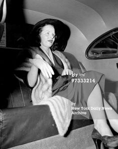 Virginia Hill in a cab after ordeal with senators and the press in connection with her appearance at the crime investigating committee hearing in the U. The one-time girl friend of. Get premium, high resolution news photos at Getty Images Bugsy Siegel, Virginia Hill, Gangster Girl, Al Capone, Rare Photos, Mafia, Mobsters, Girlfriends, Gangsters