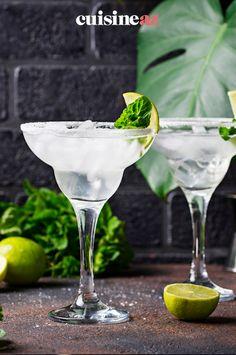 La margarita est un cocktail alcoolisé facile à préparer pour vos apéros. #recette#cuisine#margarita#coccktail #apero #aperitif Triple Sec, Tequila, Margarita, Cocktails, Cooking Recipes, Bartenders, Key Lime, Craft Cocktails, Margaritas