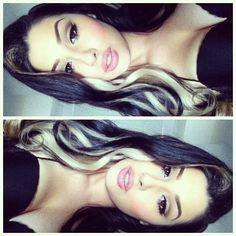 Blond strans in dark hair Love Hair, Gorgeous Hair, Beautiful, Corte Y Color, Girly, Pretty Hairstyles, Heart Hairstyles, Hair Dos, Dark Hair