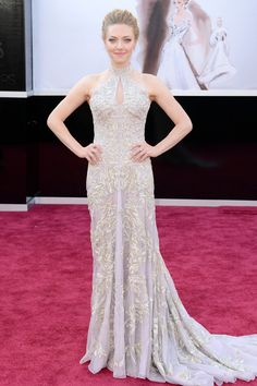Todas las imágenes de celebrities y alfombra roja de los Oscars 2013: Amanda Seyfried de Alexander McQueen