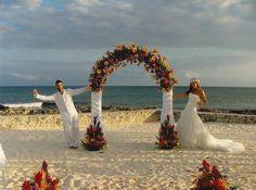 Si celebras tu #boda en la playa, algunas propuestas #innovias. https://innovias.wordpress.com/2015/05/18/ideas-innovias-para-una-boda-en-la-playa/
