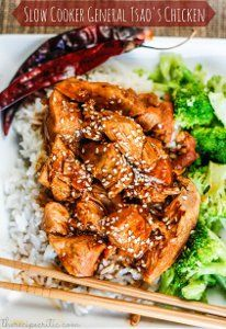Easy General Tso's Chicken Recipe - This slow cooker Chinese food recipe is just like the restaurant favorite! Try this slow cooker chicken recipe at home, and you'll never get take-out again!