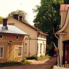 Runebergin Parainen Gin, Shed, Outdoor Structures, Jeans, Barns, Sheds, Jin