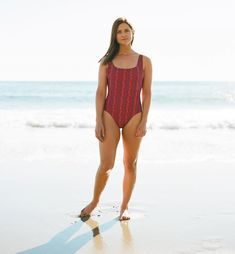 Harry Potter Ginny Weasley actress Bonnie Wright looks unrecognisable as she unveils very impressive bikini body Ginny Weasley Actress, Harry Potter Ginny Weasley, Harry Potter Bellatrix Lestrange, Harry Potter Girl, Harry And Ginny, Ron Weasley, Draco Malfoy, Hermione Granger, Ginny Weasly