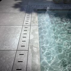 Everyone loves luxury swimming pool designs, aren't they? We love to watch luxurious swimming pool pictures because they are very pleasing to our eyes. Now, check out these luxury swimming pool designs. Swimming Pool Pictures, Hotel Swimming Pool, Swimming Pool Landscaping, Swiming Pool, Luxury Swimming Pools, Luxury Pools, Swimming Pool Designs, Backyard Pools, Dream Pools
