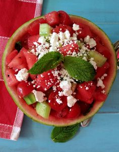With summer on the way, we all want to look our best, changing the diet can be very useful to reaching that goal. Small changes, like eating more veggies are very good to your body, eating antioxidant foods such as blueberries will cleanse your body from toxins. If you wan't to see what clean eating meals look like, then scroll down and check out the delicious clean eating recipes.