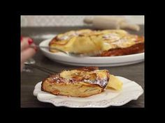 Gâteau invisible aux pommes - YouTube French Toast, Nutrition, Breakfast, Youtube, Food, Apple Cakes, Healthy Meals, Recipes, Morning Coffee