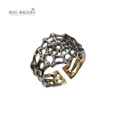 Bug Bagues is a collection of 'midi' rings, precious and beautifully crafted in gold 18 kt, diamonds, rubies and sapphires, small tiny insects and their home. Bug, Midi Rings, Diamonds, Gold, Accessories, Beauty, Ring, Diamond, Beauty Illustration
