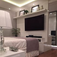 Boa noite! Com essa suíte master maravilhosa toda no clean, amamos!! @maisinteriores @arqmbaptista @decorarte_decoracao  #design #interior #interiordesign #arquitetura #architecture #instaart #instahome #art #arte #instadecor #instadesign #inspiração #inspiraçãododia #inspiration #decor  #decoration #sala #decoração #luxury #perfect #project #tudolindo #love #designer #beautiful #lovedecor #instagood