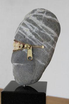 Hirotoshi Ito-stone sculpture Laughing