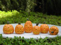 Miniature Dollhouse FAIRY GARDEN ~ 6 TINY Halloween Jack 'O Lantern Pumpkins NEW uk.picclick.com
