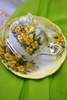 Tea Cup with Yellow Flowers and Gold Trim Tea Cup Set, My Cup Of Tea, Tea Cup Saucer, Teapots And Cups, Teacups, Cuppa Tea, Vintage Dishes, Vintage Tea Cups, China Tea Cups