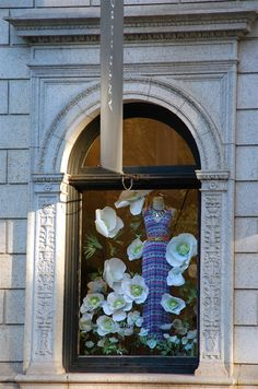 I've always loved their window sets. It speaks volumes that their merchandiser is titled Visual Artist. #Anthropologie