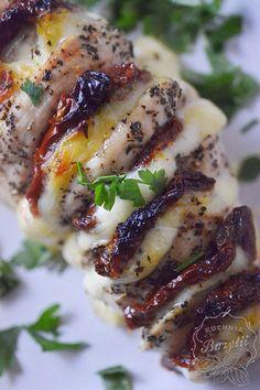 Pierś kurczaka faszerowana mozzarellą - kuchniabazylii.pl - blog kulinarny Mozzarella, Italian Recipes, Baking Recipes, Chicken Recipes, Grilling, Recipies, Pork, Food And Drink, Appetizers