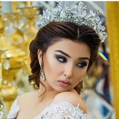 Image may contain: 1 person Bridal Hair And Makeup, Bridal Beauty, Wedding Makeup, Wedding Bride, Bridal Crown, Bridal Tiara, Wedding Dress Cake, Bride Look, Bridal Hair Accessories