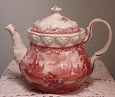 RED & OFF WHITE TOILE VICTORIAN TEAPOT w Raised Floral Design Castles and Kings