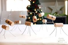 how to make wine cork reindeer, christmas decorations, crafts, how to, seasonal holiday decor Easy Christmas Crafts, Diy Christmas Ornaments, Christmas Projects, Simple Christmas, Christmas Decorations, Reindeer Christmas, Reindeer Craft, Quick And Easy Crafts, Crafts To Make